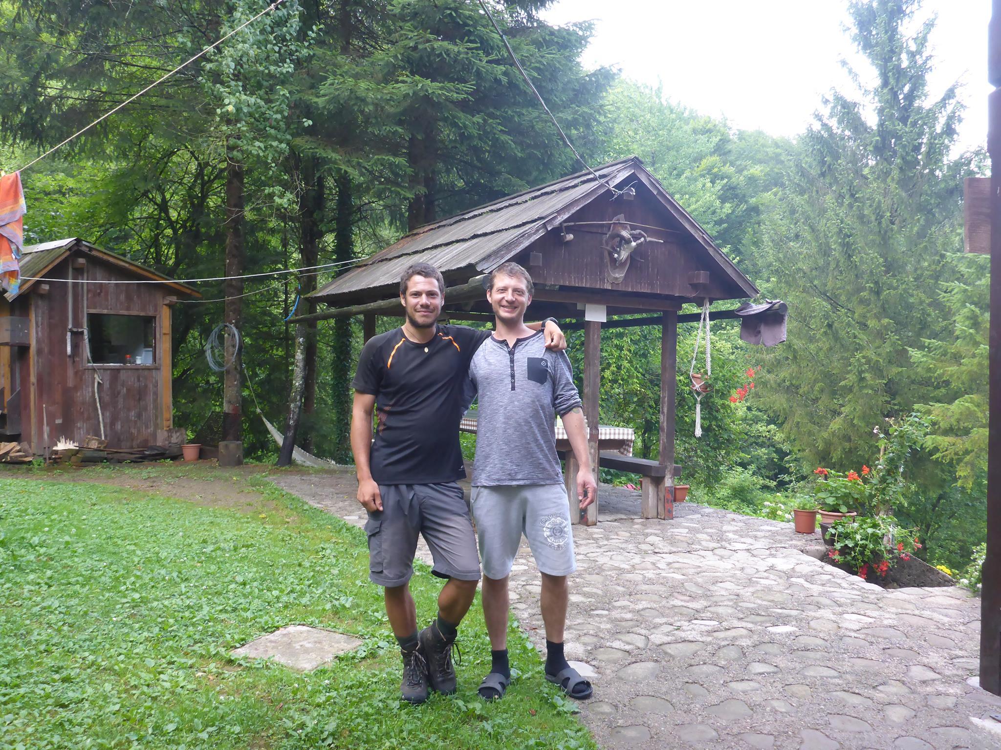 Je rencontre Josip, un croate vivant dans sa maison au milieu du parc national de Risnjak. Chasseur, pêcheur, cueilleur de plantes sauvages, nous restons à discuter la fin de l'après midi avant que je le laisse à son paradis dans lequel il vit