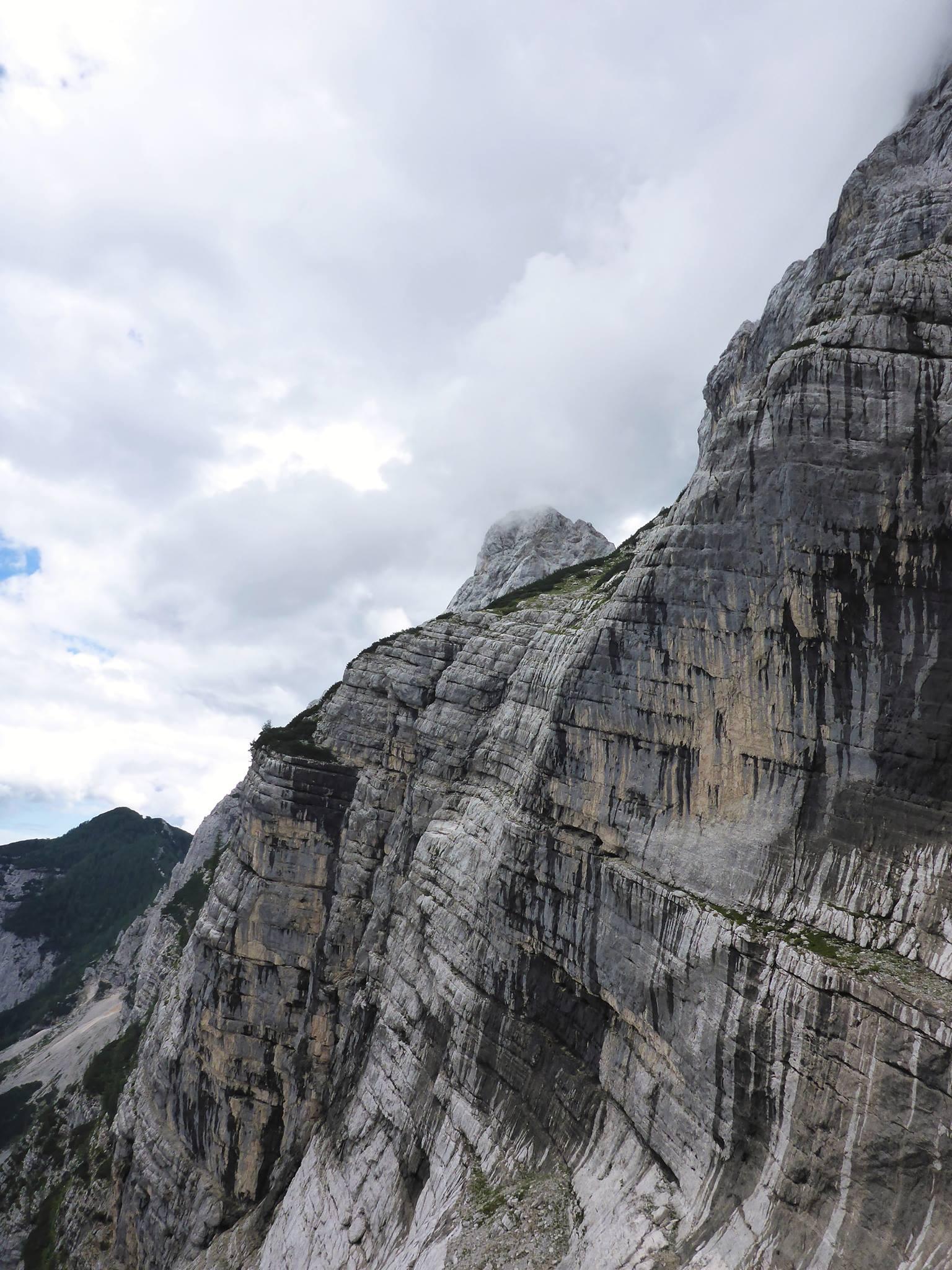 Les paysages calcaires se dessinent au fur et à mesure des dénivellés grimpés