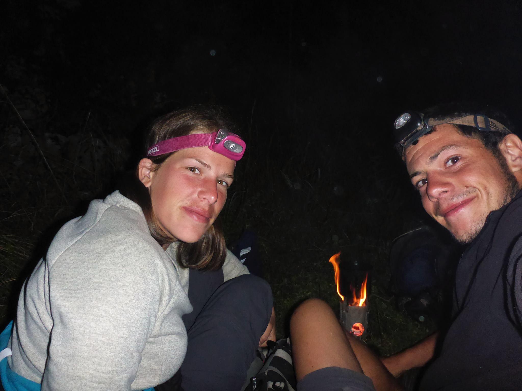 Après s'etre fait déloger à onze heure du soir par un imbécile de ranger, nous dormons à la belle étoile deux kilomètres plus loin, cette fois bien cachés...